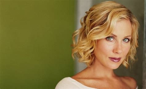 chin length hairstyles  short hair layered fine curly
