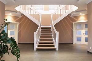 Lampen Landhausstil Innen : holztreppe in t form mit zwischenpodest und led lampen ~ Eleganceandgraceweddings.com Haus und Dekorationen