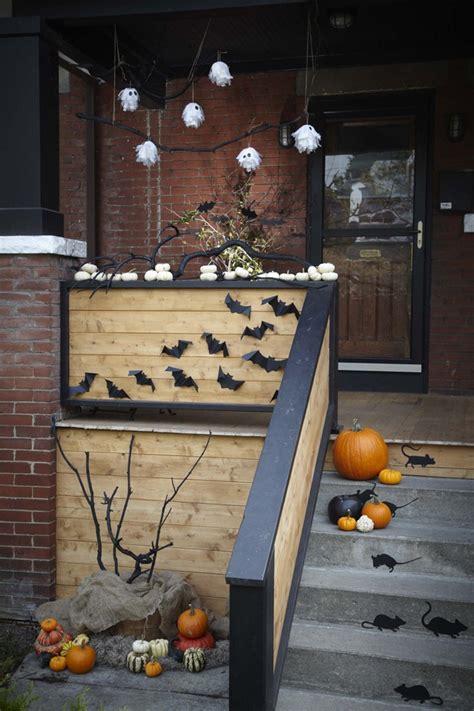 mind blowing halloween door decoration ideas