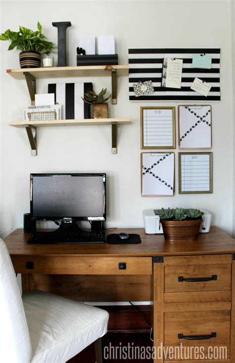 Small Business Decorating Ideas - organize small business taxes plus free printables