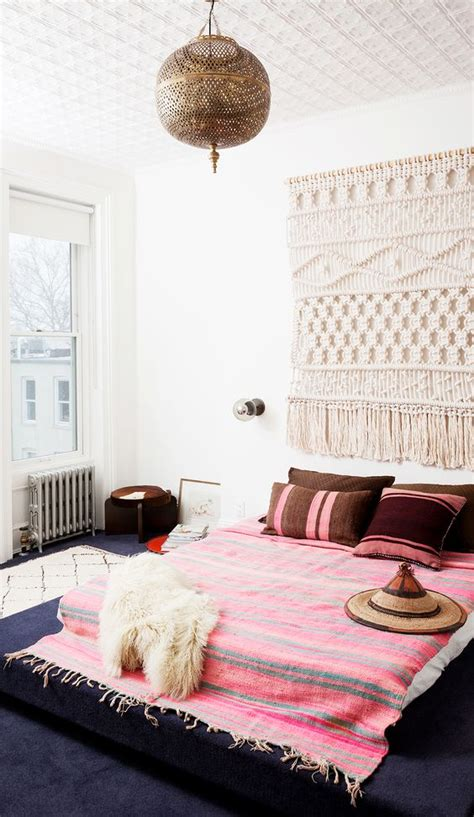 moon  moon bedroom inspiration hot pink bedspreads