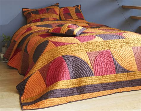 boutis patchwork couleurs chaudes becquet creation becquet