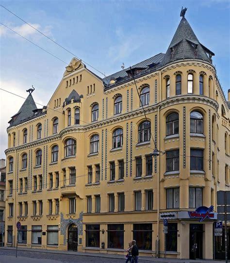 Riga, Meistaru 10, Ein Haus Mit Katzen Redaktionelles ...