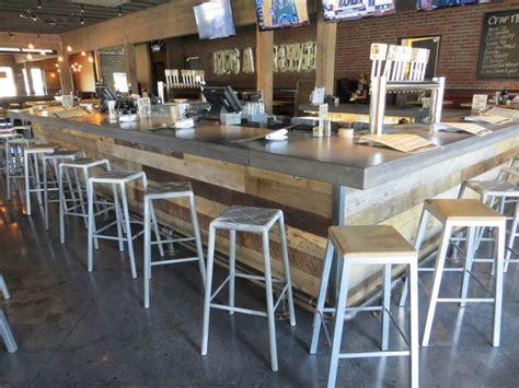 reclaimed wood  cement bar restaurant design