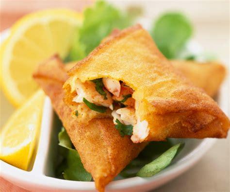 cuisine haricots verts recette de cyril lignac samoussas aux crevettes
