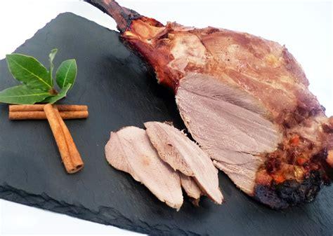 cuisiner le sanglier au four cuisiner le sanglier saut 233 de sanglier au geni 232 vre et d 233 pices p 233 ch 233 de gourmandise