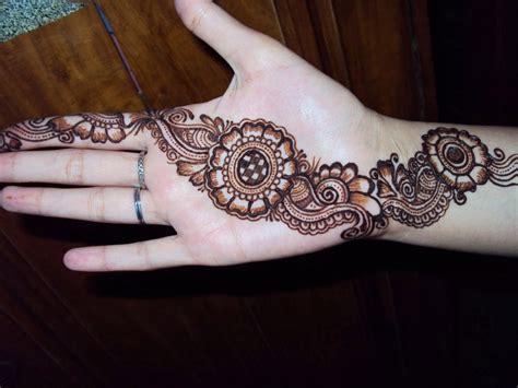 Best Ever Girls Mehndi design For Eid 2015 (3)