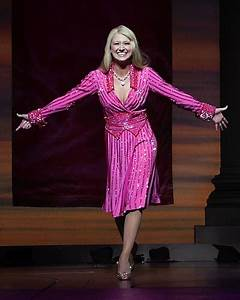 Photo Coverage: Bailey Hanks Makes Debut As Elle Woods ...