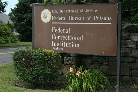 federal prison in danbury to begin transferring