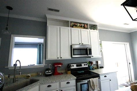 How to extend kitchen cabinets to the ceiling ? Charleston
