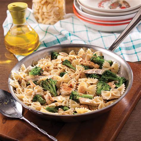 cuisine recettes pratiques farfalles express au poulet et brocoli recettes