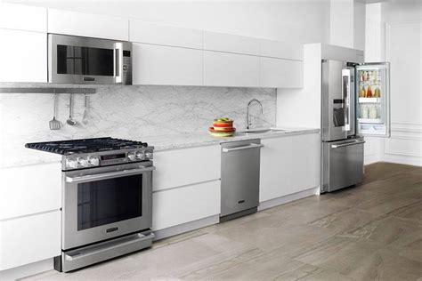 Faster, Smarter Luxury Appliances Showcased At Kbis 2016