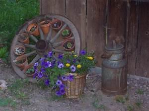 Die Schönsten Gartenbäume : alte st hle als gartendeko liebhaber alter gartendeko ~ Michelbontemps.com Haus und Dekorationen
