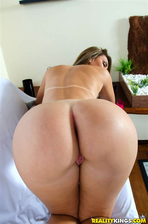 Mikeinbrazil Presents Nayra Mendes In Juicy Ass
