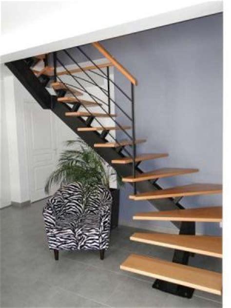 escalier modulaire vs limon central acier
