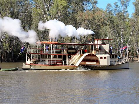 Fishing Boat Hire Albury Wodonga by The Murray River Nature And Wildlife The Murray