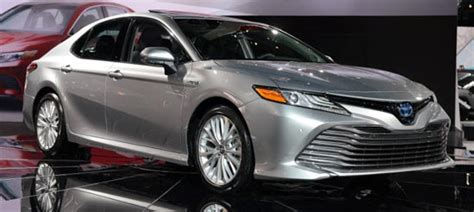 toyota camry hybrid le specsfeatures  price