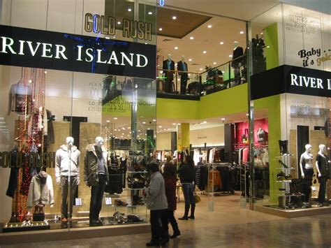 drees closet spotlight  river island