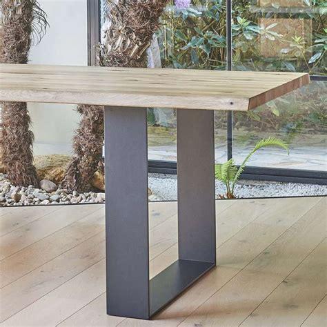 chaises salle manger but table de séjour esprit industriel extensible en chêne