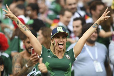 Mexico fans celebrate World Cup win over Germany - San
