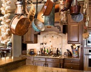 Country cool décor: Italian rustic kitchen