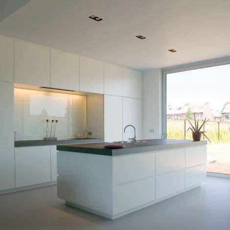 Weisse Küche Mit Dunkler Arbeitsplatte by Wei 223 E Hochglanzk 252 Che Dunkle Arbeitsplatte Traum K 252 Che