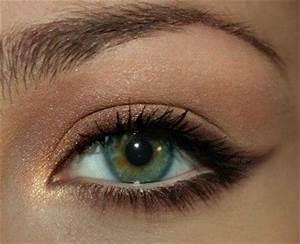 More dramatic natural eye makeup for green eyes look at ...