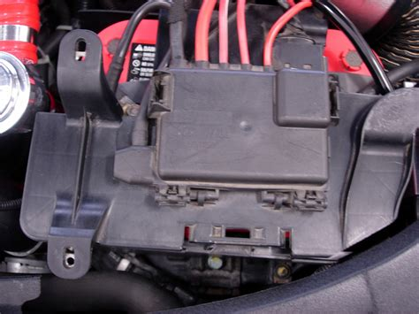Audi Tt Fuse Box Battery by Photo To Reveal Top Of Battery Swing Fuse Panel Out Of