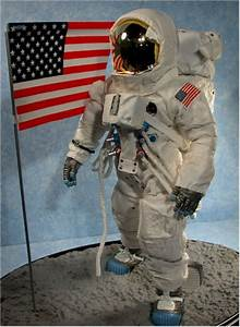 Dragon Astronaut Figure 12 - Pics about space