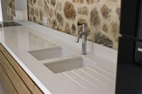 plan de travail cuisine quartz plan de travail cuisine quartz blanc cuve eviers