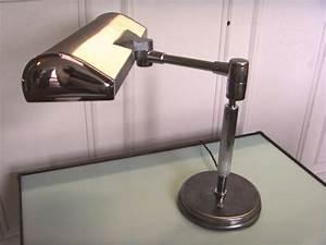 Eileen Gray Lampe : lampe industriel de bureau luminaires lampes luminaires eclairages ~ Markanthonyermac.com Haus und Dekorationen
