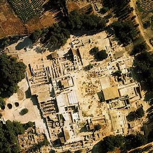 Breaking the Boundaries • The Labyrinth at Knossos ...