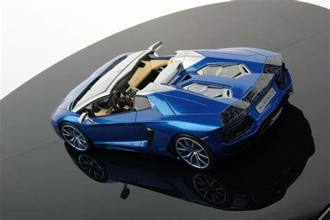 lamborghini aventador lp700 4 roadster 1 18 mr collection models lamborghini aventador lp700 4 roadster 1 18 mr collection models