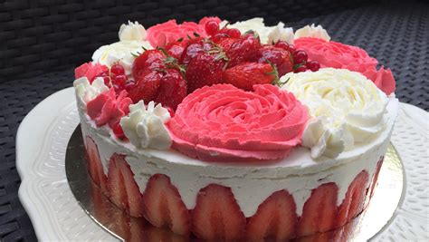 fraisier facile chantilly mascarpone les gourmandises de n 233 mo
