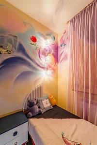 Peinture Mur Chambre : fresque murale dans la chambre d enfant 35 dessins joviaux ~ Voncanada.com Idées de Décoration