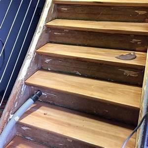 Teppichkleber Entfernen Holz : sch ne kombination alte treppe mit parkett renovieren ~ Orissabook.com Haus und Dekorationen