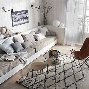 Les 25 meilleures idees de la categorie salon marocain for Tapis berbere avec assise canapé