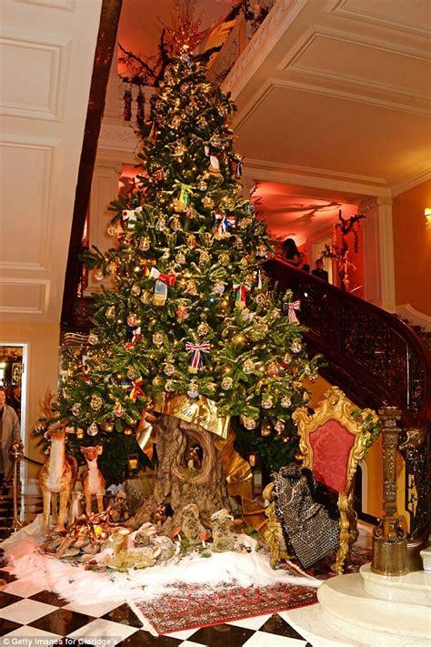 dolce gabbana unveil spectacular christmas tree