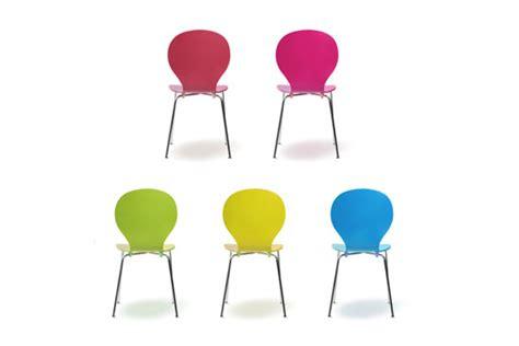stuhl bunt esszimmerstühle stapelbar freischwingend aus holz oder