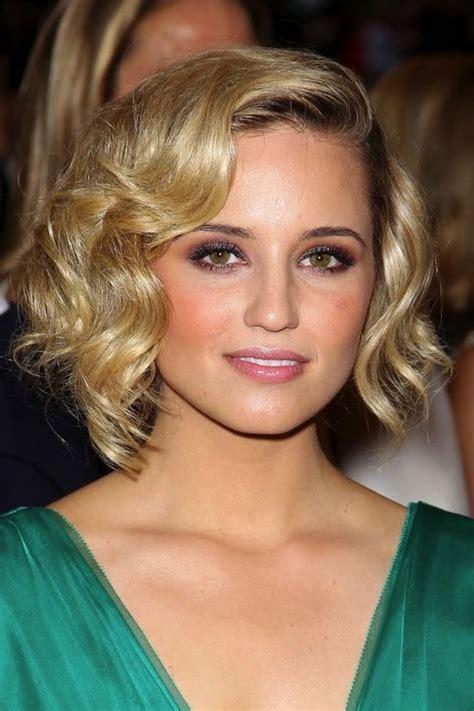 le carre ondule en  variations de coiffure  adopter cet