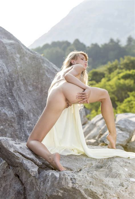 Sexy Teen Nika N On The Rocks — Russian Sexy Girls