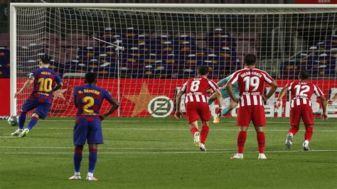 Messi scores 700th goal, Barcelona held 2-2 by Atletico ...