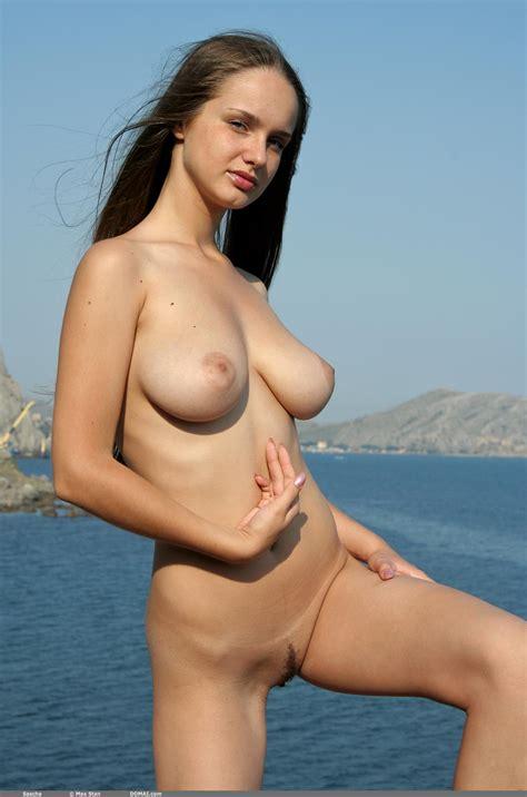 Babe Big Tits Busty Domai Nudeshall Sascha Skinny