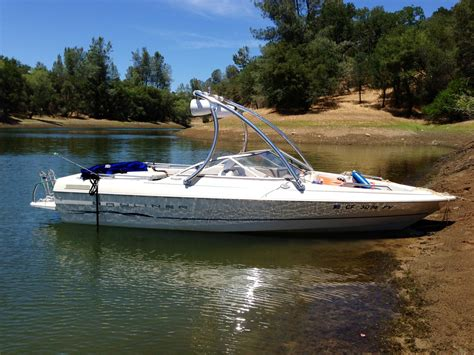 Bayliner Wakeboard Boat by Bayliner Boat With Big Air Wakeboard Tower