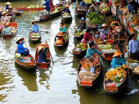 Floating Market of Thailand - XciteFun.net