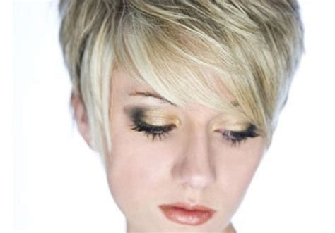 5 Superb Short Layered Choppy Haircuts Hairstyles For Fine Blonde Hair Very Short Women With Low Maintenance Cut Style Try On My Photo Best Curly Wavy Hairstyle Me