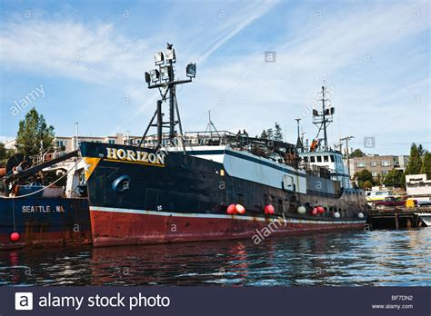 Crab Fishing Boat Images by The Crab Fishing Boat Horizon As The Boats Featured In