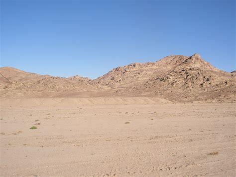 desert landscapes sinai desert landscape by semiretiredjedi on deviantart