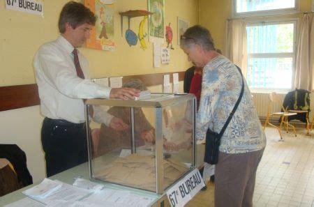 bureau de vote toulouse élections départementales le ps présent dans 1935 cantons