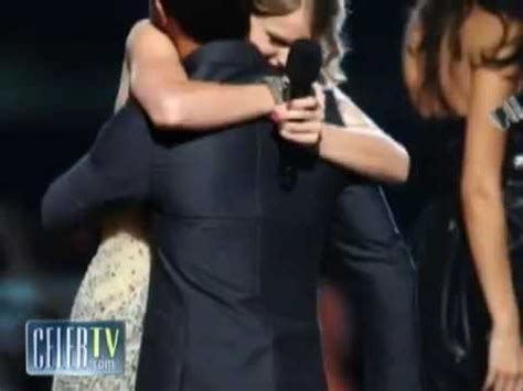 Taylor Swift and Taylor Lautner Break Up! - YouTube